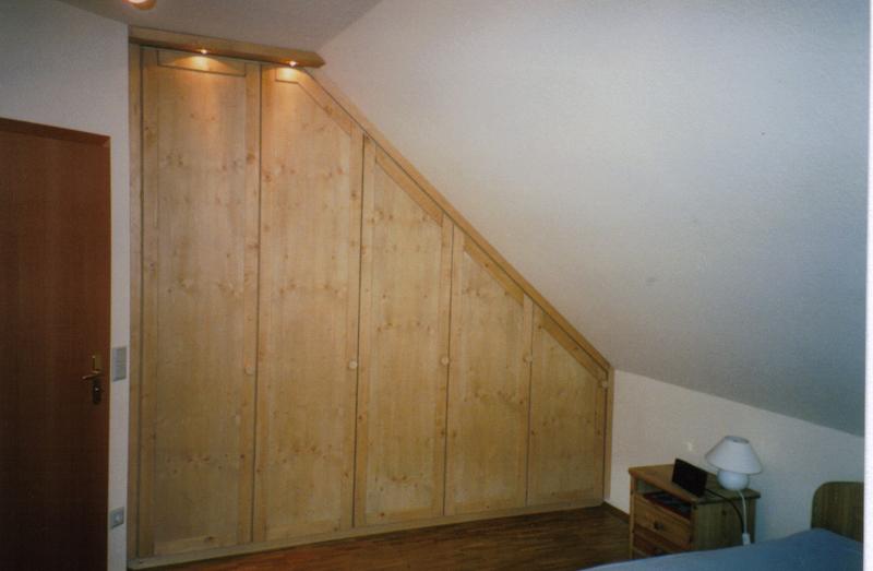 einbauschr nke f r die dachschr ge schreinerei kimpel. Black Bedroom Furniture Sets. Home Design Ideas
