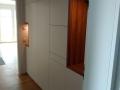 Einbauschrank - Garderobe in Weißlack mit Eiche