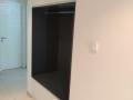 Einbauschrank - Garderobe in Weiß und Dunkelgrau