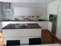Küche mit Fronten aus Lackglas