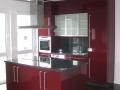 Küche in Acrylux-Hochglanz bordeaux